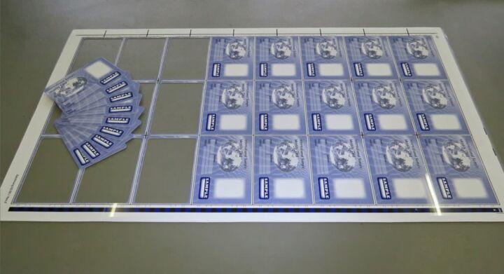 Bildfolge Kartenproduktion Smart Card Bild 17