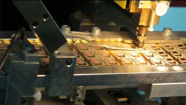Bildfolge Kartenproduktion Smart Card Bild 3