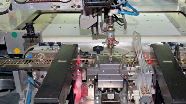 Bildfolge Kartenproduktion Smart Card Bild 8